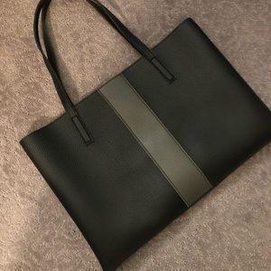 Handbags - Vince Camuto luck tote